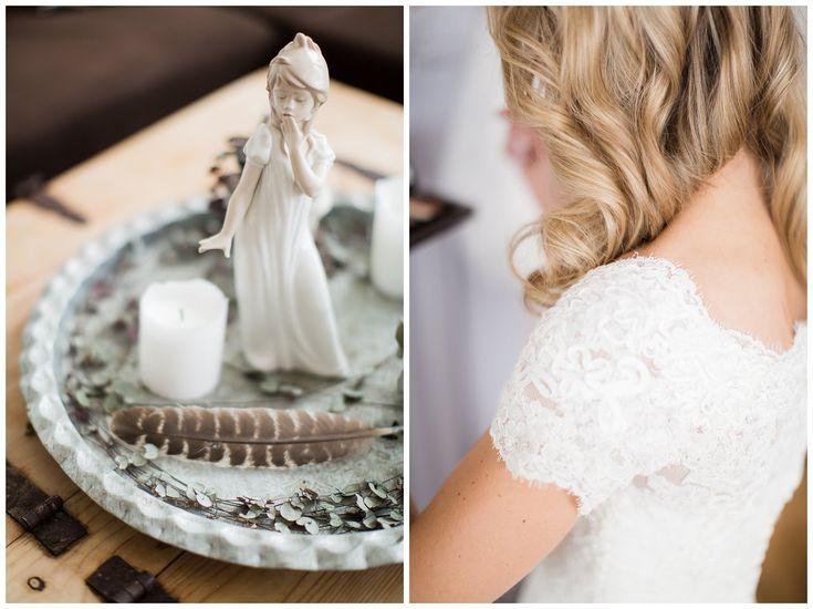 Wedding dress detail. Feather and lace // Brudekjole detalj. Blonde og fjær