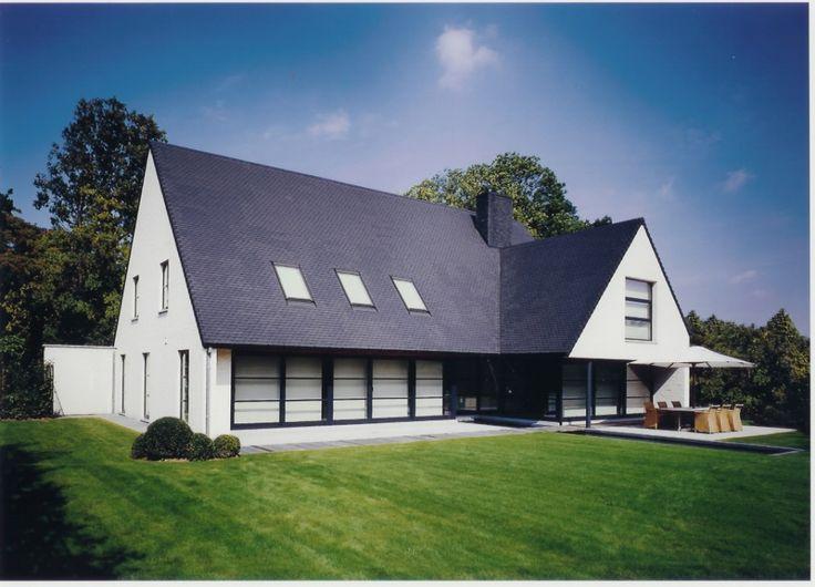 Afbeeldingsresultaat voor zadeldak luifel huis