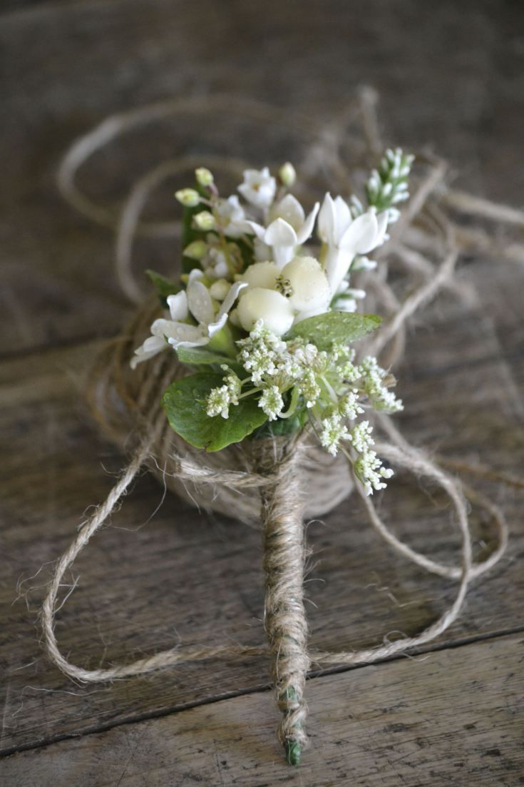 Queen Anne's lace, snowberry and veronica for a country styled wedding