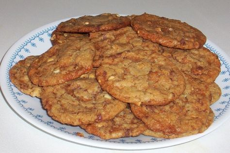 This is my favorite cookie recipe! If you like peanut butter, you have to try it!!! I found the recipe in a Taste of Home Magazine, which always has wonderful recipes in them!