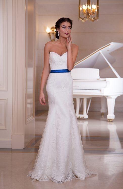 alegria-Vestido de novia sencillo y elegante con chal de encaje, escote corazon, cinturon color azul real