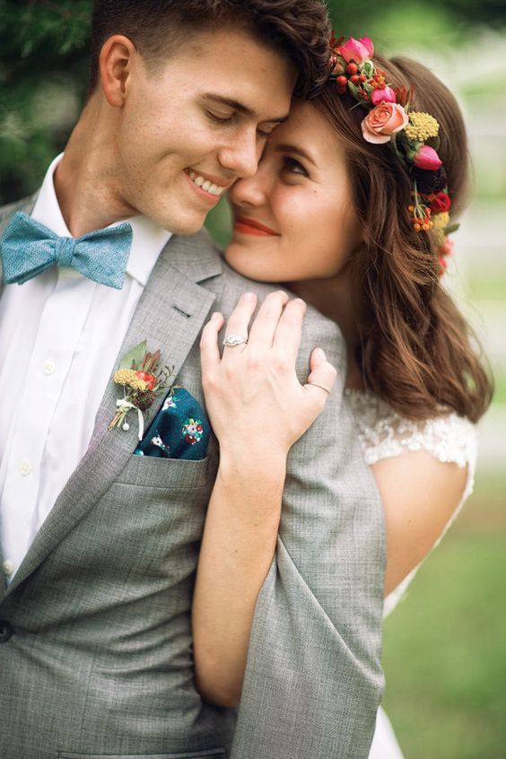 Super cute bride and groom shot #brideandgroom #wedding http://www.roughluxejewelry.com/