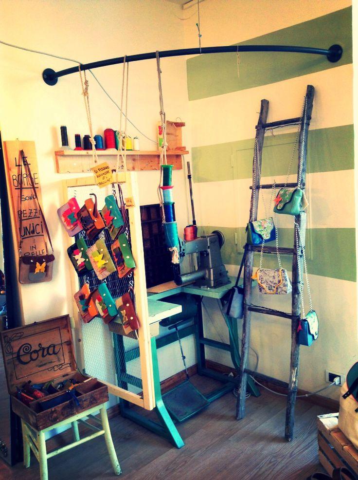 The work area...   www.elisabettacosmo.it