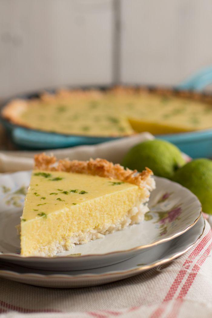 Mango Kaffir Limoentaart- Voordat je nu afhaakt omdat je denkt dat dit recept alleen met kaffir limoen gemaakt kan worden: deze taart is net zo lekker met gewone limoenen.