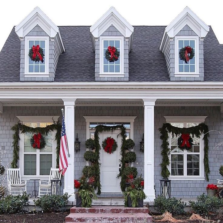 Decoration For Homes: Cape Cod Christmas Wreaths, Gray House, Shingles