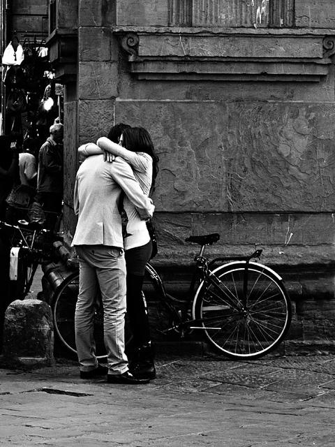 Bacio Kiss Suukko Petó Поцелуй Φιλί キス Kus Beso Kys by Andrea Bosio Photographer, via Flickr