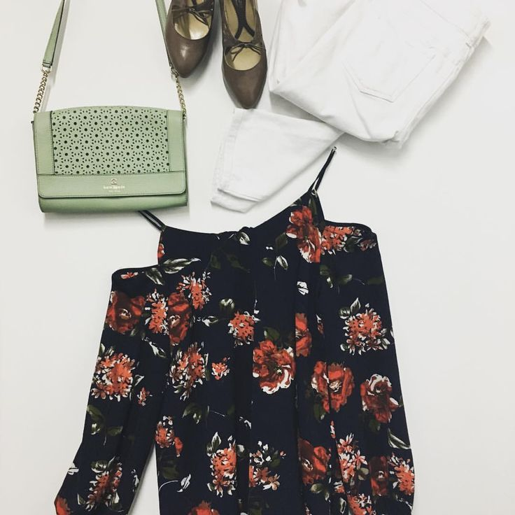 """35 Likes, 1 Comments - Trove Fashion (@trovefashion) on Instagram: """"We paired this beautiful #floraloffshouldertop with #whitejeans for the #perfectsummeroutfit…"""""""
