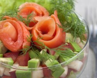 Salade light pomme, avocat et saumon fumé