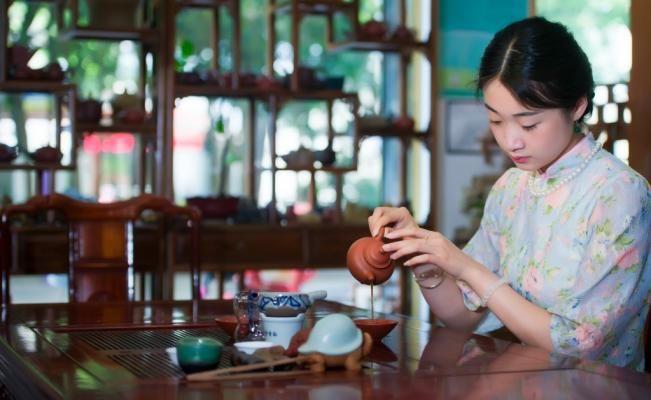 El té es la bebida más antigua del mundo, por lo que no puede evitar estar rodeada de costumbres, tradiciones e historia