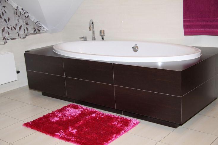 Dywanik do łazienki w kolorze amarantowym