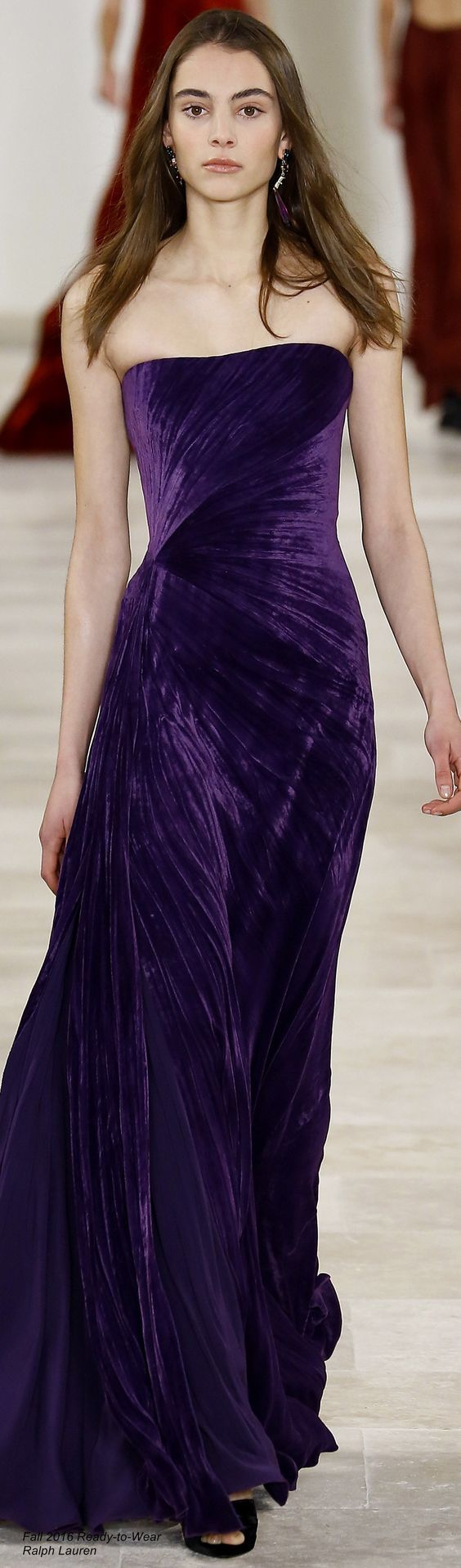 Amazing Velvet Dress Ideas That You WIll Love To See