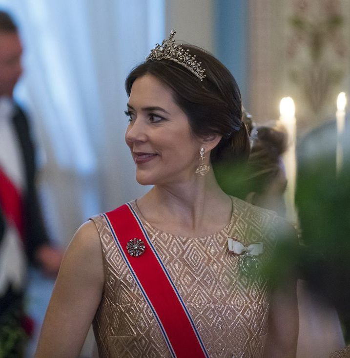 TIARA ALERT: Crown Princess Mary of Denmark wore her Ruby & Diamond Necklace Tiara to the 80th birthday celebrations of King Harald and Queen Sonja of Norway at the Royal Palace in Oslo on 9 May 2017. Photo: Heiko Junge