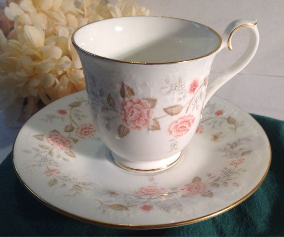 VINTAGE Royal Albert Bone China For All Seasons Autumn Sunlight Made in England 1984