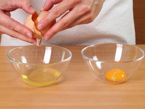 Limpe e firme a pele com esta máscara facial de ovo