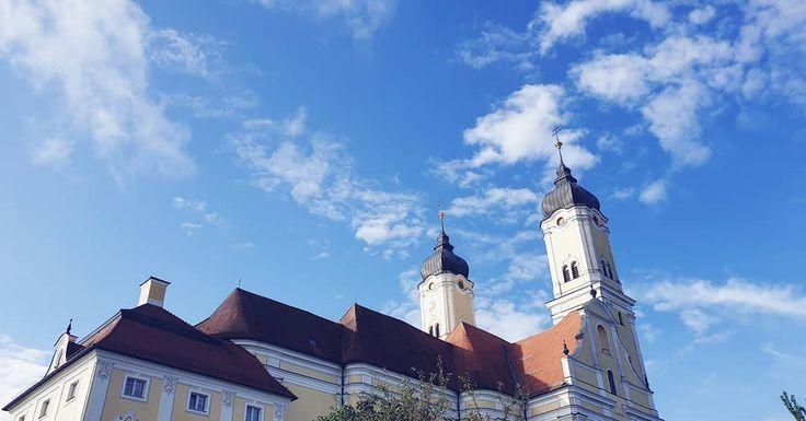 Blauer Himmel über unserm schönen Kloster.💒 H…