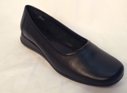 GRASSHOPPERS WOMENS SHOES Size 7 Medium Black Wedge