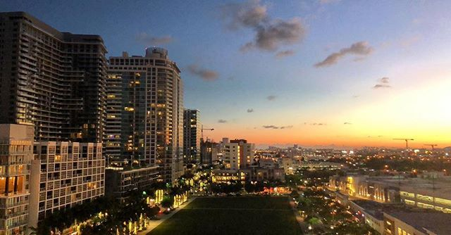 What a beautiful sunset we have today in beautiful Miami/Midtown area.. Need Hard Money 💰 Loan Financing?  Looking for real estate financing? Let me help you get approved either the regular conventional way or with a Hard money loan.. bad credit? Can't prove your income ? Too much Debt Ratio income? Well look no more; we are here to help you get approved on your Mortgage.  Need hard money loan? Has your bank closed down the doors on you? Need to close fast and know that you will close? Well…