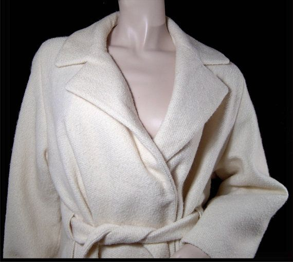 Vintage 1960s white wool coat  Large  inner belt  by fatspazzy, $130.00