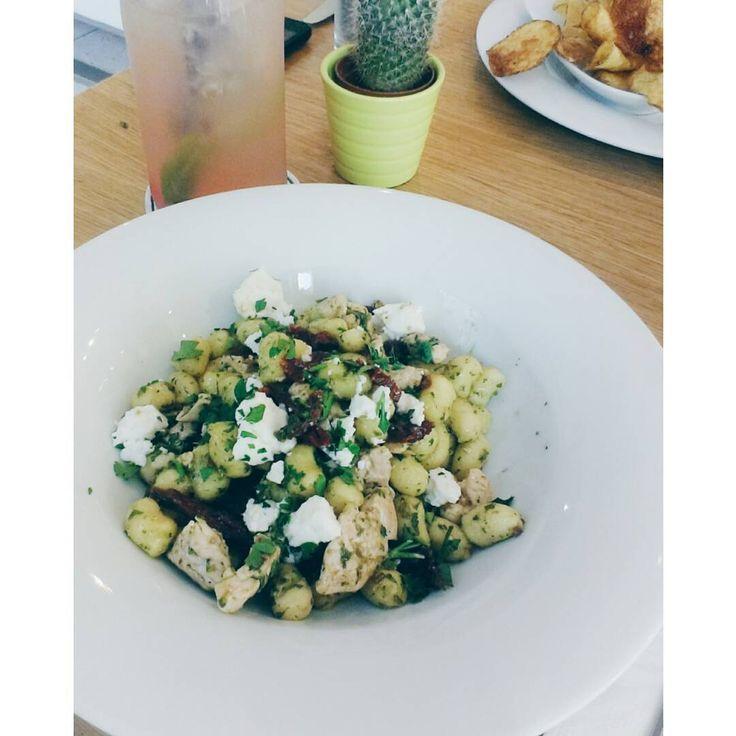 Senzační večeře zakončující skvělý odpoledne na Vyšehradě  #FineCafe #Vyšehrad #food #gnocchi #feta #greplimonade #delicious #withmylove #happy