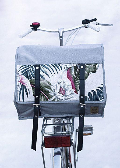 Multifunctional bicycle single bag: oannier bag + handlebar bag + crossbody + backpack + shoulder bag