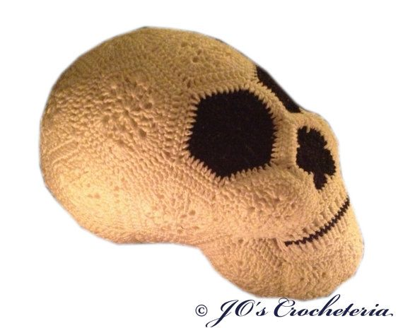 Crochet Pattern Lucy the African Flower Skull by JOsCrocheteria