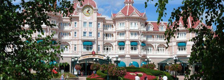 Disneyland Park at Disneyland Paris, the original Magic Kingdom theme park with 5 lands to explore.