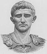 (Cayo Julio César Octavio) Primer emperador romano (?, 63 a. C. - Nola, Nápoles, 14 d. C.). Procedía de una rica familia del orden ecuestre de Veletri (su abuelo fue banquero y su padre, pretor de Macedonia). Por parte de madre era sobrino-nieto de Julio César, el cual le adoptó en el 45 a. C. y le designó su heredero.