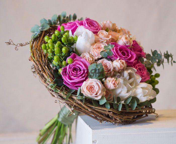 Рынок, флористика создание букетов из роз