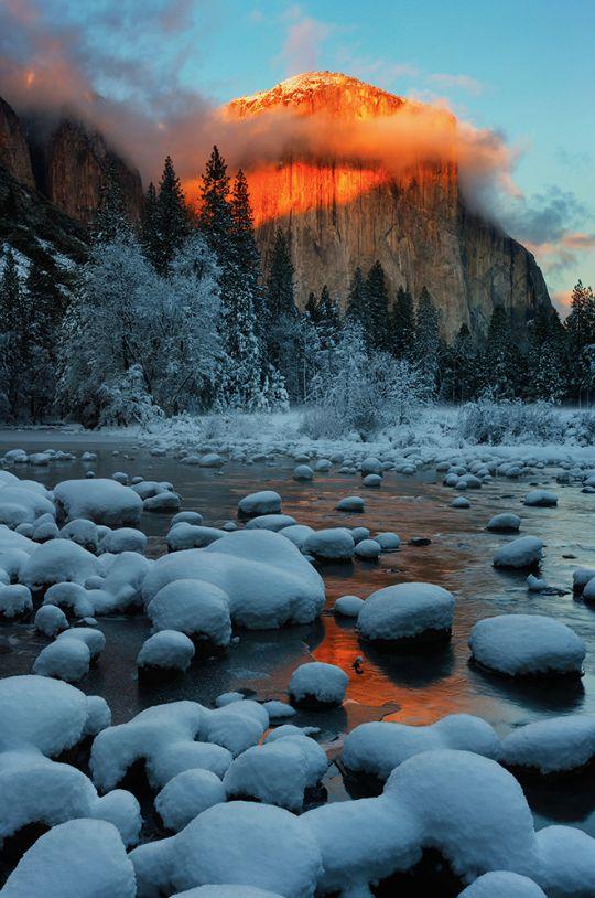 Sunrise on El Capitan and Merced River, Yosemite National Park, United States.