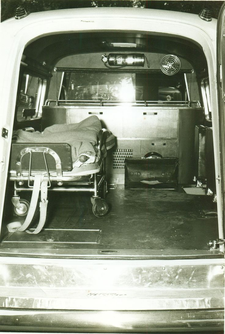 Vbh ambulance interior 1946
