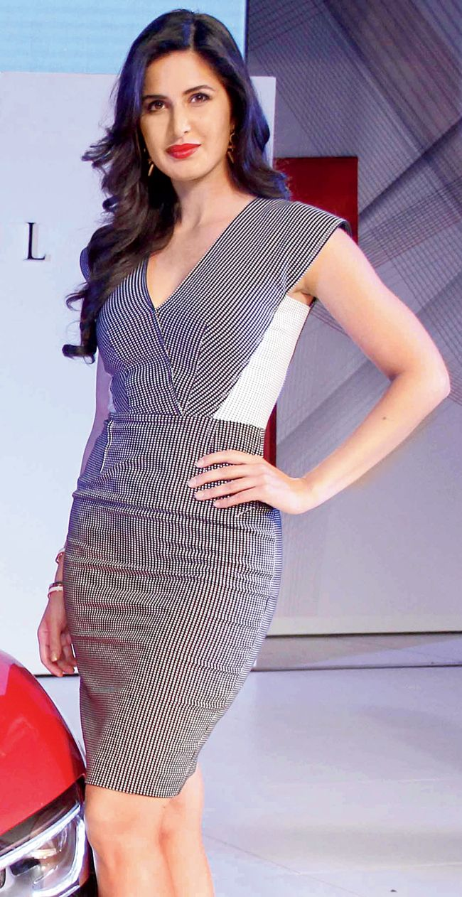 Spotted: ‪#‎KatrinaKaif‬ at a car launch !!! Katrina Kaif launched the latest collection of a premium car brand at a packed affair in the city on Saturday night. Katrina Kaif. Pics/Yogen ShahHuma Qure... http://goo.gl/yUv71P