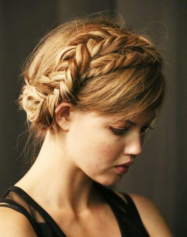 lange Haarmodelle – Krone Frisur aus Zopf flechten – Video Anleitung #haarfrisurenflechten #frisur