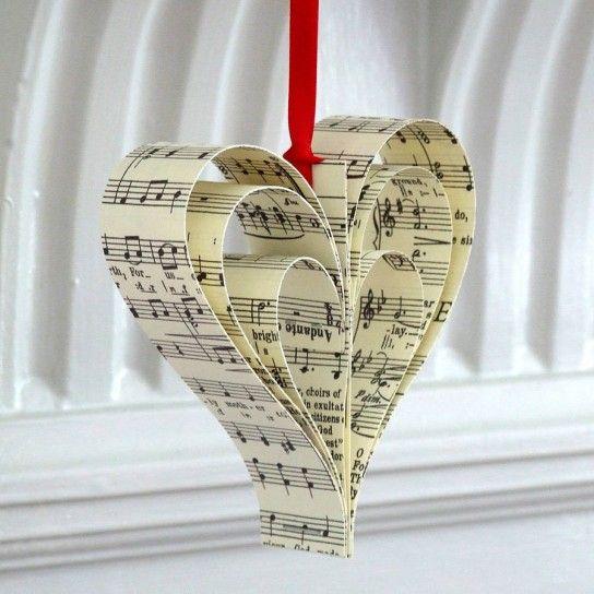 Directo al corazón¡¡ Con la partitura de su canción favorita..Ideas originales de Navidad #christmas #christmasdecor #love #diy