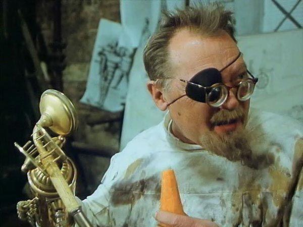 「Tajemství hradu v Karpatech」                     監督:オルドリッチ・リプスキー(Oldřich Lipský)、1981年 #Roboraion #czech #art #culture #movie #film #comedy #sci-fi