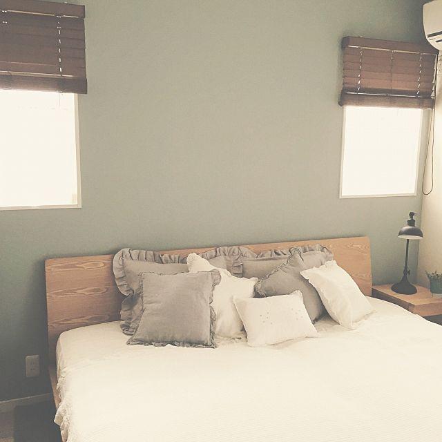 女性で、の寝室/ザラホーム/ZARA HOME/無印良品/ベッド周りについてのインテリア実例を紹介。(この写真は 2016-08-25 16:57:55 に共有されました)