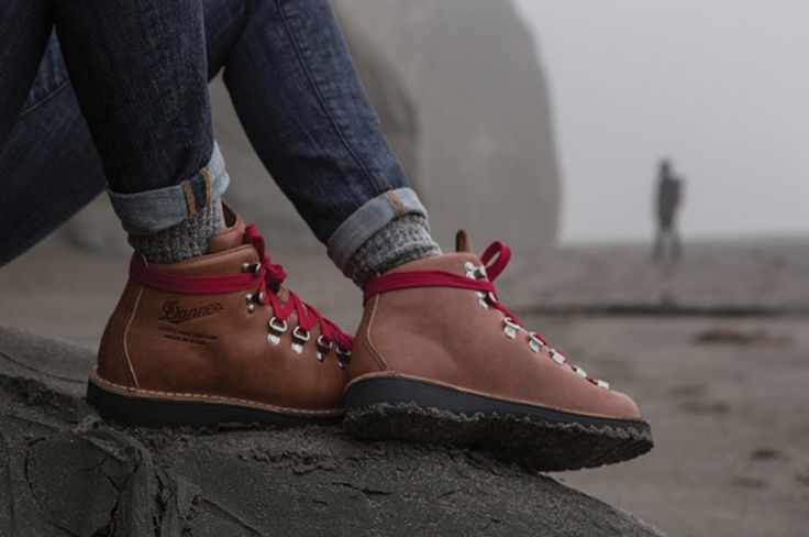 You can get 40% off Danner Boots - Women's Stumptown collection at The Elegant Hippie until 11.7. Go to link to find out how.