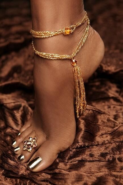 Fabulous Foot Jewelery I love foot jewelry  It's d gipsy in me