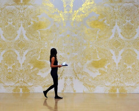 A member of Tate staff walks in front of Richard Wright's as yet untitled work. Wright is known for his large-scale wall painting . Photograph: Andy Rain/EPA (http://m.guardiannews.com/ms/p/gnm/us/sQk1b_H1aTEcPSkOd_cicLg/view.m?id=15=/artanddesign/gallery/2009/oct/05/turner-prize-shortlist-artists=artanddesign=6#gnm-gallery)