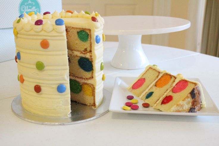 Polka Dot Cake by The Vanilla Store To request a quote please email us at info@thevanillastore.com.au