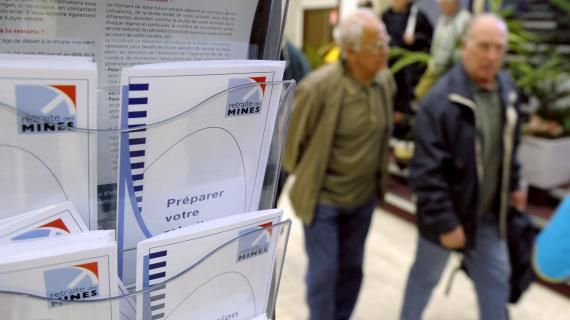 VIDEO. Avec la nouvelle réforme, comment calculer le montant de sa retraite et à qui s'adresser ?