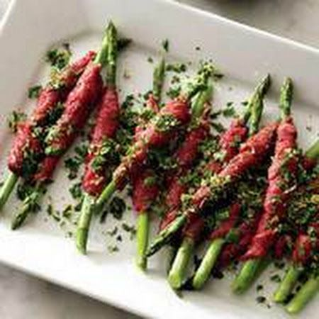 The perfect complement to any meal! Try this #carpaccio wrapped #asparagus