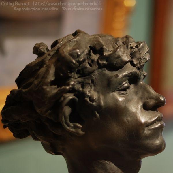 Sculpture de Camille Claudel: tête de bandit