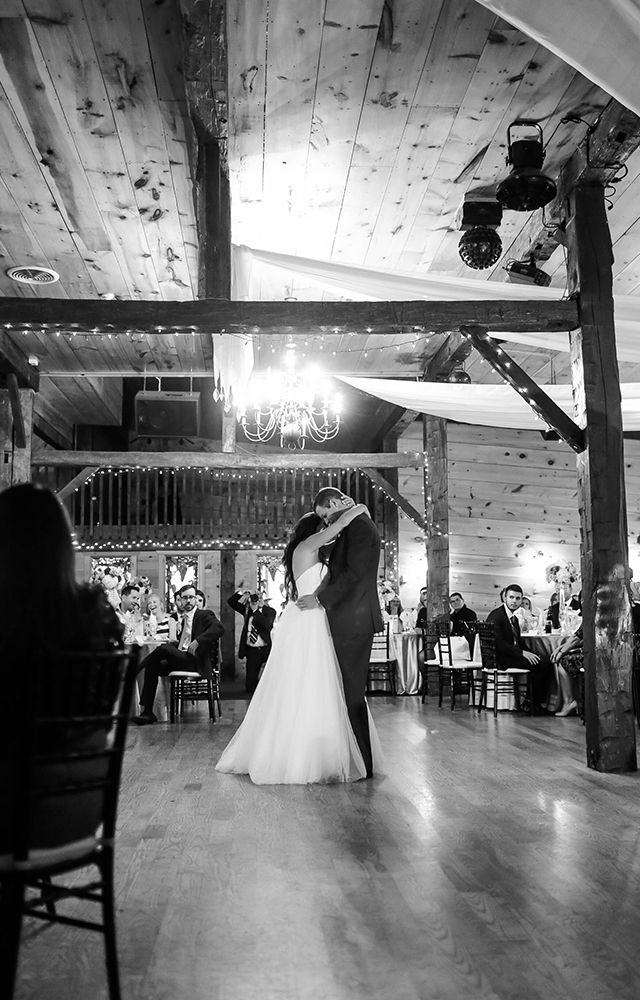 First dance at Hernder Estates | Vintage style wedding photography by New Vintage Media | www.newvintagemedia.ca