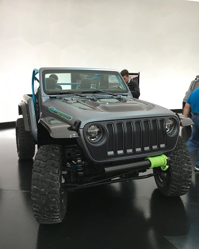 Despite The Name The Jeep Wrangler 4 Speed Sports An 8 Speed Auto A Turbocharged 2 0 Liter Engine And Is Down 950 Lb Jeep Concept Jeep Wrangler Rubicon Jeep Jl