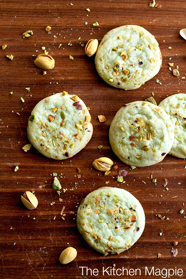Pistachio Pudding Cookies : I've taken my addition to pistachio pudding to the next level with these cookies. | The Kitchen Magpie #recipes