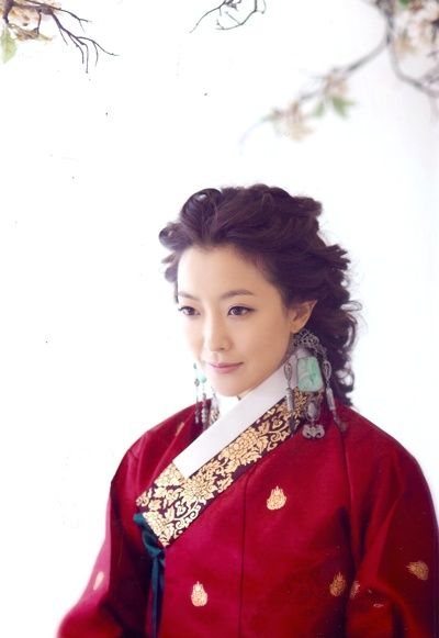 hanbok  re-styled, loosely styled hair