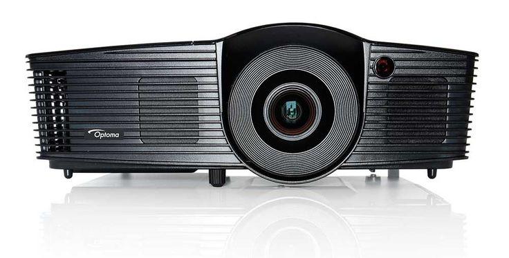 TodoparaelPC os presenta el proyector Optoma HD141X, un proyector con tecnología DLP, resolución máxima Full HD 1080px, luminosidad de 3.000 ANSI lumens, relación de contraste de 23.000 :1 y resolución máxima vertical de 1.080 Pixels.