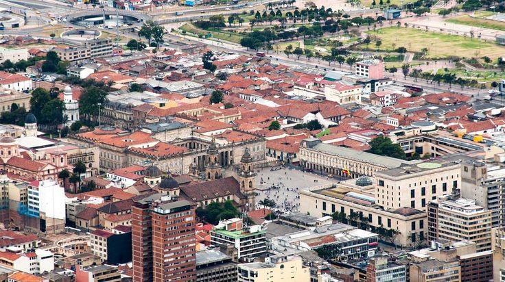The Bolívar Square heart of the historical area of Bogotá. Walk with us.  La Plaza Bolívar corazón del centro histórico de Bogotá. Camina con nosotros. #SYOUandColombia #Bogotá #Cundinamarca #BolivarSquare #PlazaDeBolivar #WalkWithUs