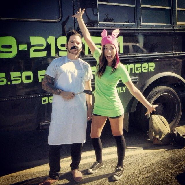 Best Halloween EVER! Bobs Burgers// Louise Belcher costume// Bob Belcher Costume// Halloween //