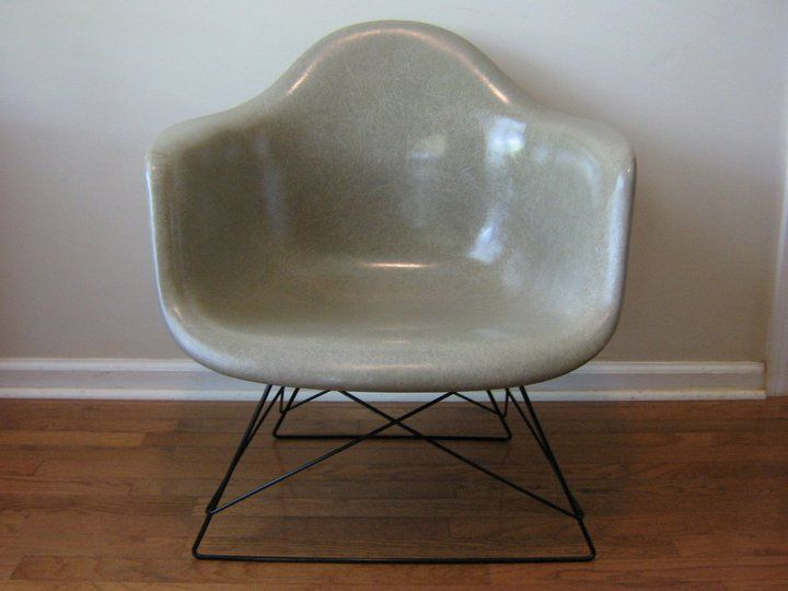 Eames shell chair in greige on cat's cradle base